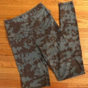 Beyond Yoga High Rise Tights, size M